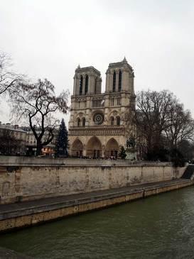 パリ・ノートルダム大聖堂.jpg